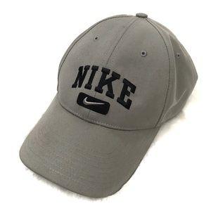 Nike • Embroidered Logo Strapback Hat